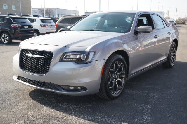 Pre-Owned 2016 Chrysler 300 S
