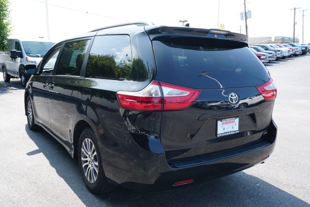 Pre-Owned 2018 Toyota Sienna L